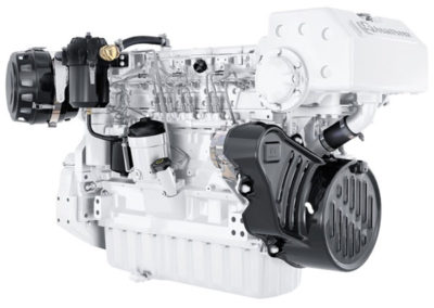 John Deere 6090    Power | 242 – 410 Hp   RPM | 2100 – 2500 rpm   Configuration | 6 In-line, 4 takt diesel  Suction | Turbocharged, Aftercooled